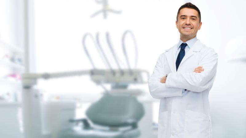 cuanto cobra un dentista en españa